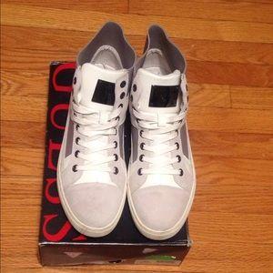 Guess Toledo Ivory suede sneaker sz: 13M